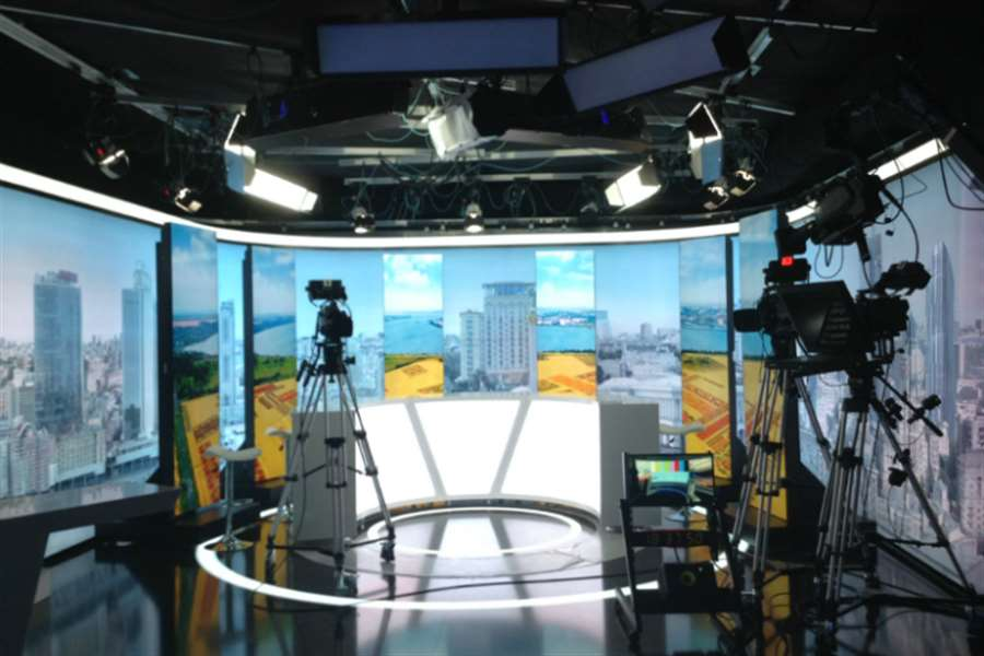 Rail system TV studio